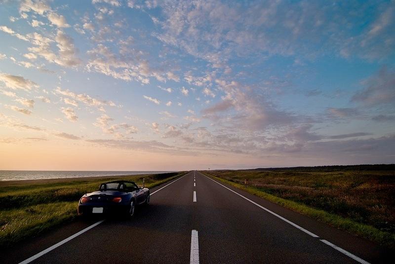 日本一の直線道路は北海道美唄にある?距離や行き …